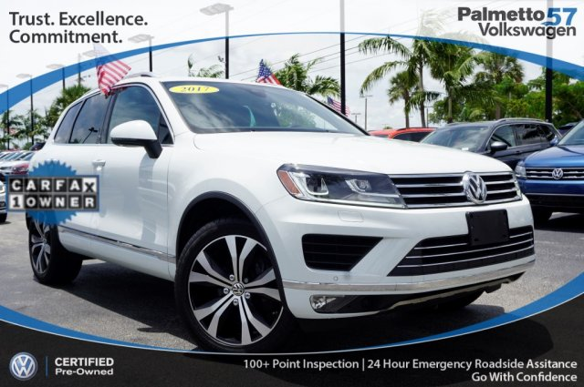 Certified Pre-Owned 2017 Volkswagen Touareg V6